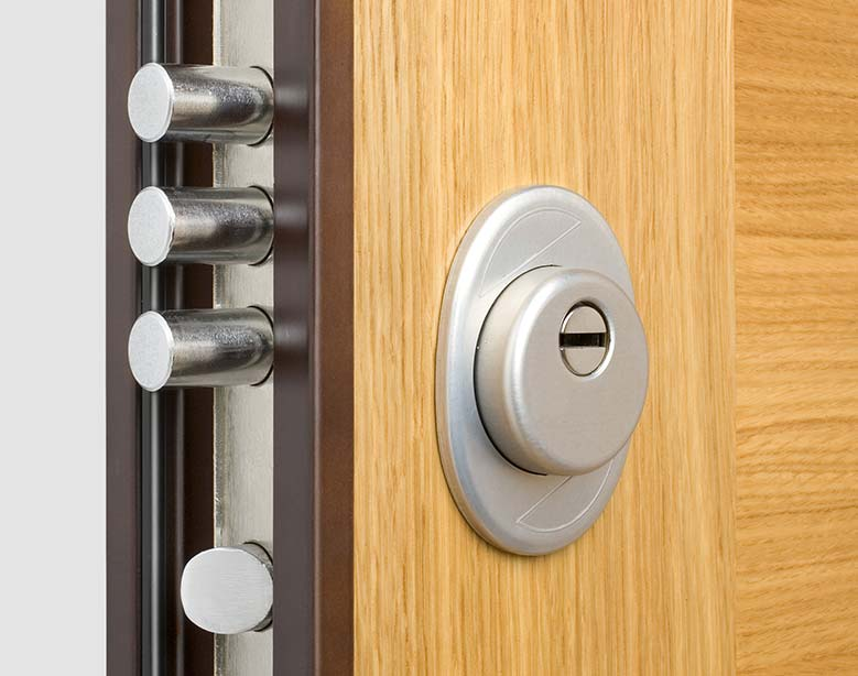 Chiusura porta blindata
